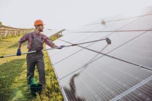 ניקוי מערכות סולאריות מחיר